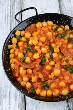 Tocanita spaniola cu naut, chorizo si spanac - CAIETUL CU RETETE Stevia, Chorizo, Tasty Vegetarian Recipes, Chana Masala, Nutella, Risotto, Food And Drink, Cooking Recipes, Salsa