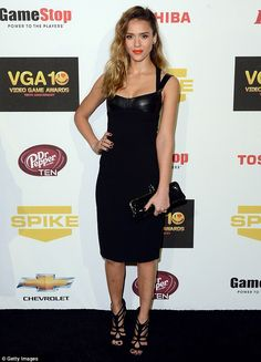 Stunning Jessica Alba leads a cast of digital stars at Spike TV's Video Game Awards | Mail Online