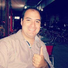 Disfrutando la #noche de #viernes luego de un día de mucho trabajo en mi #negociodesdecasa   →www.welingtondesosa.com  FELIZ FINDE!!! :)