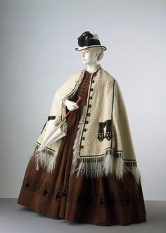 Dress Place of origin: Great Britain (made) Date: ca. 1862 (made) Artist/Maker: Unknown Materials and Techniques: Corded silk trimmed with machine embroidery, lined with glazed cotton, faced with tarleton, reinforced with boning, hand-sewn Vintage Outfits, Vintage Dresses, Historical Costume, Historical Clothing, Victorian Fashion, Vintage Fashion, Civil War Fashion, Civil War Dress, 19th Century Fashion