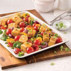 Tofu, edamames et légumes sur la plaque - 5 ingredients 15 minutes Pasta Salad, Cobb Salad, Edamame, Mets, Gluten, Vegan, Favorite Recipes, Lunch, Vegetarische Rezepte