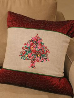 Jazzy Christmas Tree Pillow Wrap How-To by Nancy Zieman