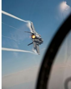 F 35 mid flight Military Jets, Military Aircraft, Military Weapons, Military Life, Air Fighter, Fighter Jets, Photo Avion, Badass Pictures, Jet Plane
