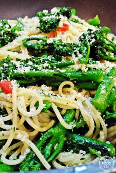Tenderstem Brocolli, Chilli and Garlic Spaghetti is a quick and delicious vegan meal made in 20 minutes! Great for a butritious mid-week family meal! Fab Food 4 All