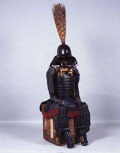 細川忠興の甲冑。黒糸威横矧二枚胴具足