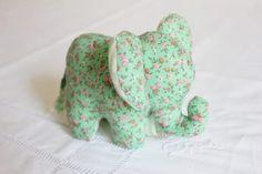 DIY Doudou Éléphant {avec patron} – Les Enchantées Elephant Stuffed Animal, Stuffed Animal Patterns, Cat Template, Elephant Pattern, Elephant Nursery, Sewing Toys, Baby Grows, Cat Design, Baby Crafts