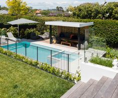An Auckland couple create a resort style garden in the city To be able to have a great Modern Garden … Pool Gazebo, Backyard Pool Landscaping, Pool Fence, Swimming Pools Backyard, Swimming Pool Designs, Garden Pool, Pergola Patio, Pergola Plans, Outdoor Pool