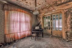 The ancient buildings with coming off walls and rusty paint have always admired not only the artists, but regular citizens as well. German photographer turned his love for old houses into passion and art. Christian Richter Christian Richter Christian Richter spend his last seven years traveling arou…