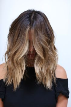 Seamless Brunette Lived-in Color… - All For Simple Hair Brown Hair Balayage, Brown Blonde Hair, Brunette Hair, Hair Highlights, Sunkissed Hair Brunette, Brunette Mid Length Hair, Medium Hair Styles, Short Hair Styles, Mom Hairstyles