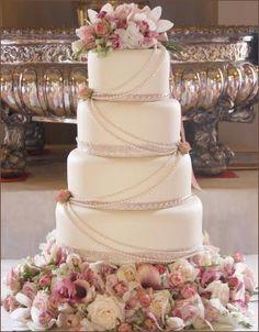 Start your own Wedding Cake Business! http://cakestyle.tv/products/wedding-cake-busines-serie/?ap_id=weddingcake - Vintage pearl #WeddingCake