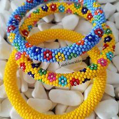 🅗🅐🅝🅓🅜🅐🅓🅔 🅑🅔🅐🅓🅢 (@suslu_boncuklar) • Instagram fotoğrafları ve videoları Friendship Bracelets, Jewelry, Instagram, Stud Earrings, Jewels, Jewlery, Jewerly, Schmuck, Jewelery