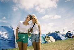 #festival #summer #love #drunk #wased #bestfriend #shorts #whitetshirts #bluesky