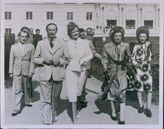 1939 King ZOG w Wife Sisters Arrive Latvian Kemeri Hotel