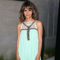 Halle Berry: Aliens are out there Celebrity Moms, Halle Berry, Aliens, Tank Tops, Celebrities, People, Women, Fashion, Moda