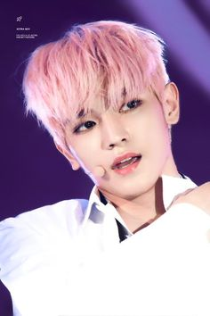 Taeyong's legendary pink hair Nct Taeyong, Nct 127, I Fall In Love, My Love, Real Anime, Park Ji Sung, Sm Rookies, Popular People, Mark Nct