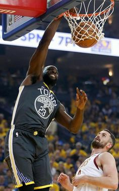 Draymond Green  vs Kevin Love Kevin Love, Draymond Green, Game 3, Basketball Court, Entertaining, Warriors, Sports, Hs Sports, Sport
