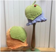 This baby/toddler hat pattern includes instructions for either a scalloped or ruffled edge to begin. The leaf pattern can be knit either large or small depending on the size of the hat. The leaf is sewn onto the hat. Knitting Stitches, Knitting Patterns Free, Free Knitting, Baby Knitting, Knitting Storage, Knit Crochet, Crochet Hats, Coffee Cup Sleeves, Bonnet Hat