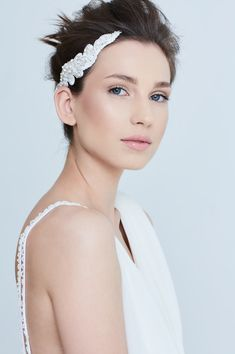 Katerini Bridal Accesories    #bridalaccesories #bridalcouture #hairaccesories #bridalhair #hairaccesories #whiteaccesories #weddingaccesories
