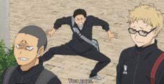 I love how Tsukki was all into intimidating the seijou players with Tanaka But then as soon as Daichi rocks up, he's all act cool… …and just casually escape LIKE WHERE DID HE EVEN GO! Tanaka Haikyuu, Haikyuu Meme, Daichi Sawamura, Kagehina, Funny School Memes, School Humor, Hinata, Tanaka Ryuunosuke, Wtf Face