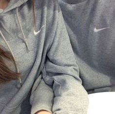 Find images and videos about couple, nike and grey on We Heart It - the app to get lost in what you love. Nike Outfits, Outfits For Teens, Matching Couple Outfits, Matching Couples, Matching Hoodies, Site Nike, Grey Nikes, Nike Hoodie, Nike Shoes Outlet