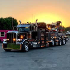 custom trucks and equipment Mack Trucks, Big Rig Trucks, Tow Truck, Semi Trucks, Cool Trucks, Peterbilt 389, Peterbilt Trucks, Tennessee, Custom Pickup Trucks