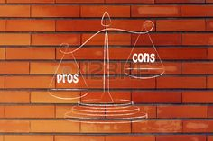 metáfora del equilibrio que muestra los pros superar los contras. Foto de archivo - 41682375