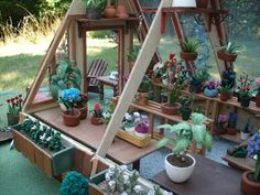 macminis´s Bucket/My Dollhouse Greenhouse