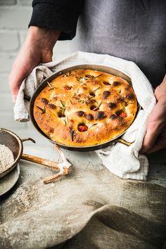 Focaccia juureen | Maku Vegan Baking, Bread Baking, Paella, Cheeseburger Chowder, Quiche, Soup, Pie, Breakfast, Ethnic Recipes