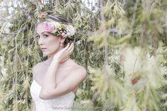 Peinado para novia - corona de flores - bridal - bride wedding - hairstyle