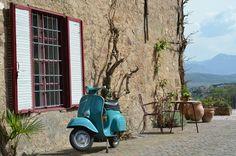 Schloss Korb Südtirol Street, City, Vacation Travel, Basket, Cities, Walkway