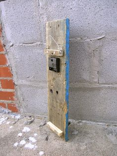 This would be a good way to hang a diy oversized pallet clock.