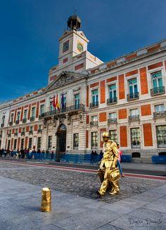 El tiempo es oro (Puerta del Sol, Madrid)
