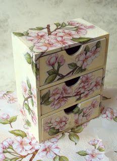 MonaDecu Altered Boxes, Zimmerman, Craft Storage, Decoupage, Decorative Boxes, Scrap, Pasta, Vintage, Home Decor