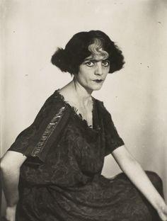 Marquise Casati by Man Ray, 1928 Giovanni Boldini, Marchesa, Man Ray Photographie, Anita Berber, Black Bob, Marquise, Musa, Portrait Photographers, Old Photos
