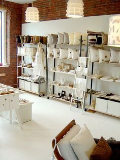 Retail VM | Visual Merchandising | Home Adornment | Retail Design | Shop Design | Simplemente Blanco