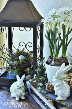 10 Simple Tips for Creating the Perfect Vignette for your Home You can add designer pizzazz to your home vignettes with these 10 simple tips for creating the perfect vignette. Join me as we create a spring vignette. Seasonal Decor, Holiday Decor, Christmas Decor, Lanterns Decor, Hoppy Easter, Easter Eggs, Easter Holidays, Decoration Table, Spring Decorations