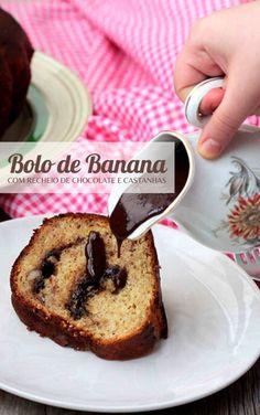 Prepare esse bolo de banana fácil, delicioso e recheado. A massa dele leva banana, então ele recebe um recheio feito com, chocolate e castanhas, o chocolate derrete e resulta em um bolo incrível. Banana Bread, Desserts, Food, Brownies, Brunch, Cakes, Amazing Cakes, Cook, Best Ever Banana Cake