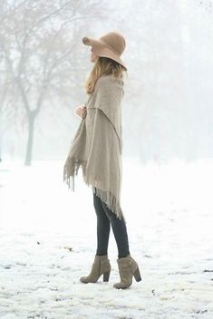 Winter Styling Tips: Tights and Hats | neutral layers. beige hat + cream shawl + leggings + neutral ankle booties http://effortlesstyle.com/winter-styling-tips-tights-hats/
