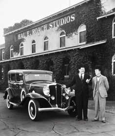 """silent–era: """"Oliver Hardy and Stan Laurel outside the Hal Roach Studios in Culver City, California"""" Laurel And Hardy, Stan Laurel Oliver Hardy, Great Comedies, Classic Comedies, Classic Movies, Classic Cars, Classic Hollywood, Old Hollywood, Hollywood Glamour"""