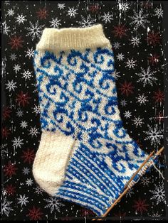 another colorwork sock, senta. On Ravelry, Heart crook Loom Knitting, Knitting Socks, Hand Knitting, Knitted Hats, Knit Socks, Lots Of Socks, How To Purl Knit, Sock Shoes, Sweater Weather