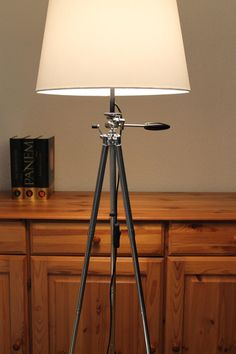 Stehlampen - Stativlampe / Tripod / Bauhausstil - ein Designerstück von SilentGardian bei DaWanda