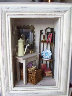 The windows of MiniManie: Small flea markets Vitrine Miniature, Miniature Rooms, Miniature Crafts, Miniature Furniture, Dollhouse Furniture, Diy Dollhouse, Dollhouse Miniatures, Shadow Box Art, Wall Boxes