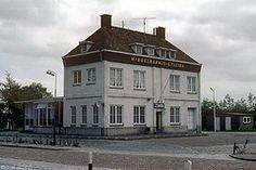 Het oude busstation in Middelharnis vlakbij de chr ulo school