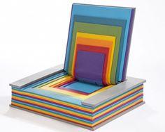 Für Leseratten: Regenbogen-Buch-Sessel von Chen Liu