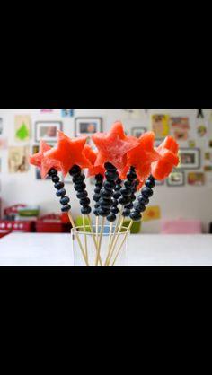 Tryllestave af Vandmelon og blåbær kunne evnt også laves med druer