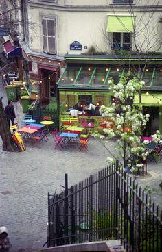 L'été en pente douce, Montmartre, Paris ~ for my next trip :) Montmartre Paris, Paris Travel, France Travel, The Places Youll Go, Places To See, R Cafe, Sidewalk Cafe, Restaurant Paris, Paris Arrondissement