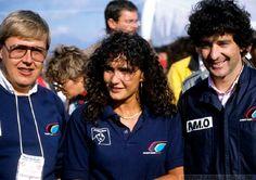 Timo Salonen, Michèle Mouton y Bruno Saby Año 1986. Timo,(izquierda) y Bruno,(derecha), eran pilotos Oficiales de Peugeot Talbot Sport para el Mundial de Rallyes. Michèle Mouton,(centro), solo participó en el 54º Rallye Monte-Carlo y en el 30º Tour de Corse. Ese año Michèle participó en el Campeonato de Alemania consiguiendo el título para Peugeot. — con Timo Salonen, Michèle Mouton y Bruno Saby.
