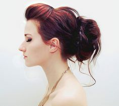 Love the hairdo and the color! pale skin + red hair looks so good