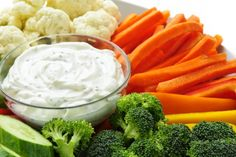 Homemade Ranch Dressing Recipe or Homemade Ranch Veggie Dip Quick Healthy Snacks, Quick Easy Meals, Healthy Eating, Healthy Meals, Homemade Ranch Dip, Homemade Ranch Dressing, Molho Ranch, Healthy Ranch Dressing, Diet Recipes