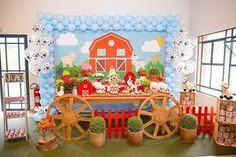 537 Likes, 8 Comments - Festa Infantil Farm Themed Party, 2nd Birthday Party Themes, Second Birthday Ideas, Barnyard Party, Farm Party, Birthday Party Decorations, Farm Animal Party, Farm Animal Birthday, Farm Birthday